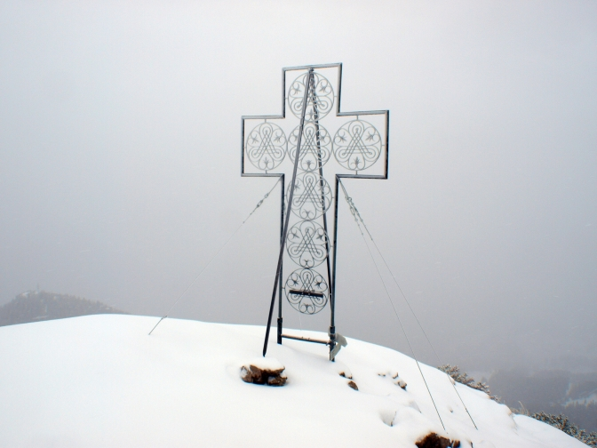 Endlich Schnee – mit den Schneeschuhen auf die Mondspitze (1.967m)